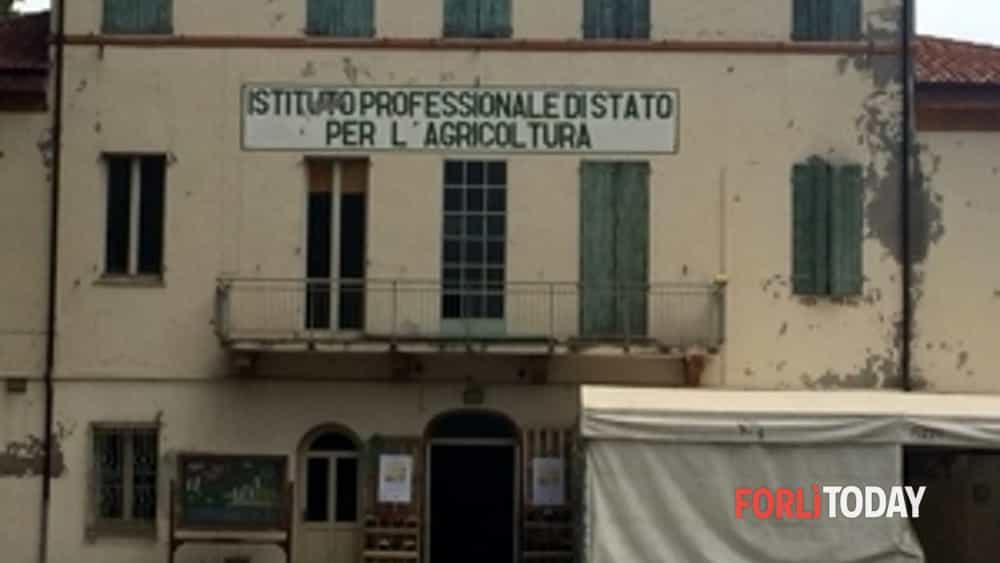 """l'ex istituto agrario di villafranca riapre per la mostra """"""""lasciamo libero il paesaggio""""-2"""