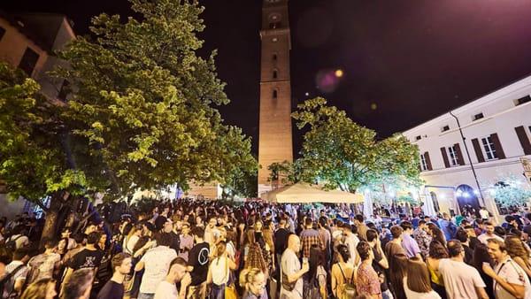 """Forlì aspetta l'estate, l'anteprima dei """"Mercoledì"""" scalda il centro tra musica e aperitivi"""