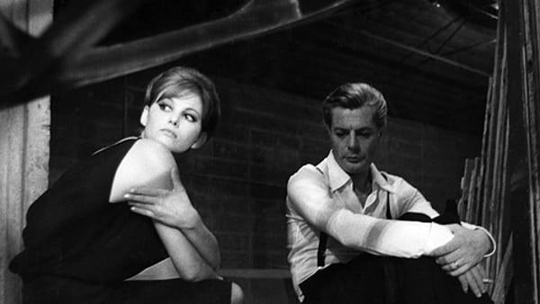 """Sul grande schermo """"Otto e mezzo"""", il capolavoro di Fellini,con Marcello Mastroianni e Claudia Cardinale"""