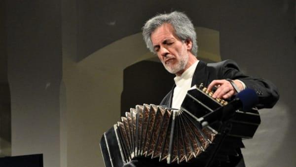 Hector Ulises Passarella e altre sorprese al Festival di Musica Popolare