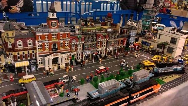 I mattoncini tornano protagonisti: un entusiasmante viaggio alla scoperta dell'universo Lego
