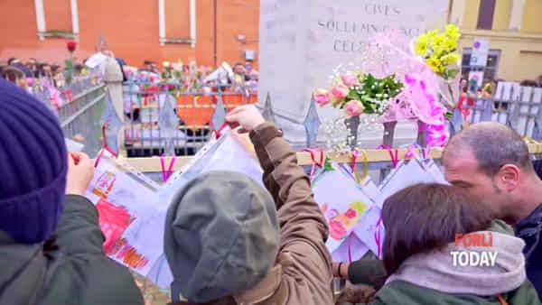 Madonna del Fuoco, i bambini sfilano in centro per la tradizionale 'Fiorita'