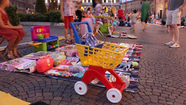 """Colori e allegria in piazza con il """"Mercatino delle Pulcette"""""""