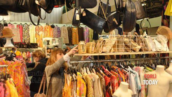 """""""La moda che vive due volte"""": torna alla Fiera di Forlì l'appuntamento con il Vintage"""