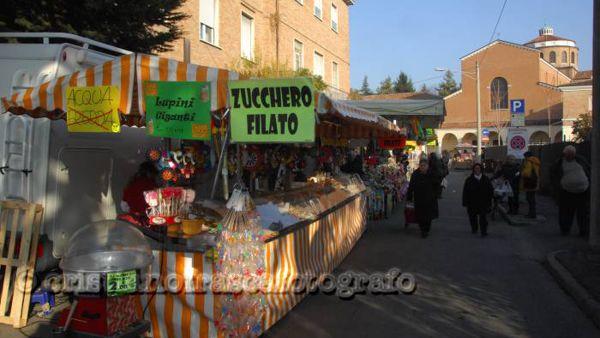 Il centro storico si riempie di torrone e dolci per la fiera di Santa Caterina