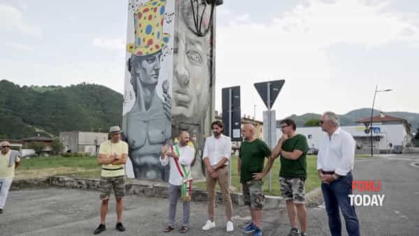 Un murales rende più bello l'ingresso a Santa Sofia: inaugurata l'opera di MauPal