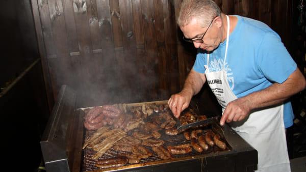 Gastronomia locale e spettacoli a Collinello in Festa