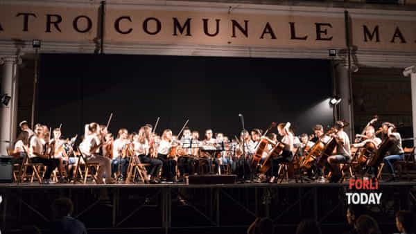 La Giovane Orchestra Paneuropea tra concerti e documentari