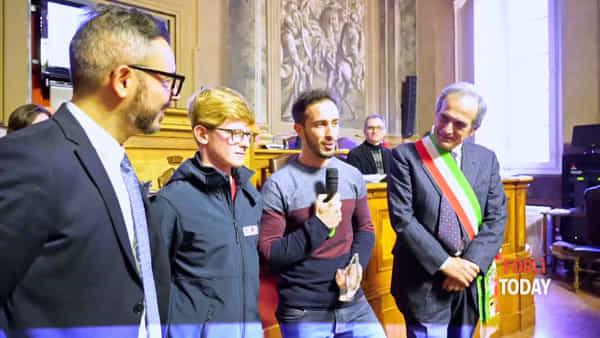 """Andrea Dovizioso """"Ambasciatore dello Sport Città di Forlì"""": la cerimonia in Consiglio comunale"""