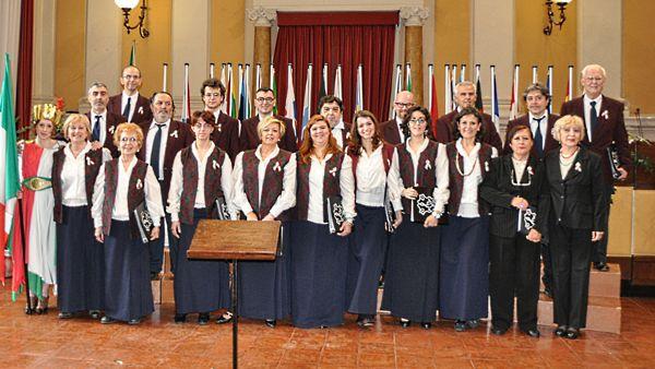 Lezione concerto del coro Città di Forlì, un'occasione per toccare con mano il canto corale