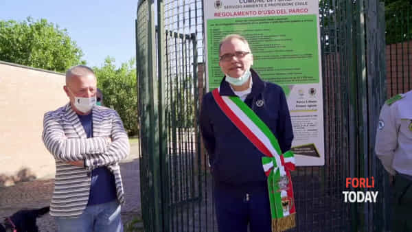 L'inaugurazione del percorso e la prima passeggiata dei cani al Parco Urbano: le nuove regole