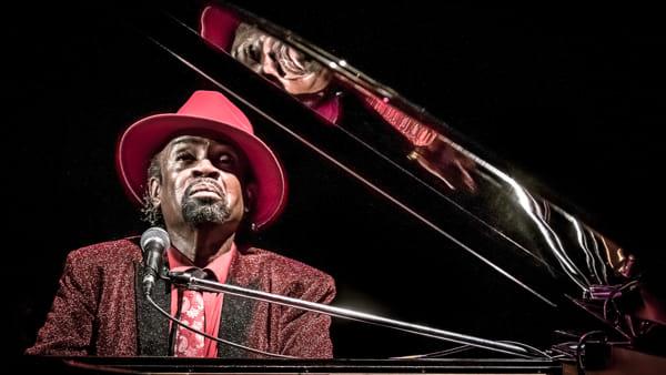 Il jazzista Johnny O'Neal inaugura l'Entroterre Club