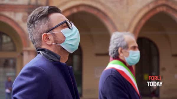 Ricordo delle vittime del Coronavirus: minuto di silenzio e inno d'Italia alle 12 in punto