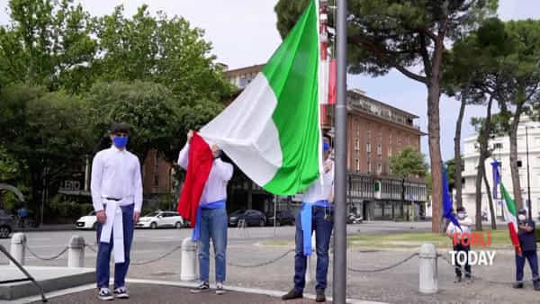 """Festa della Repubblica, le celebrazioni in Piazzale della Vittoria: """"Spegnete tutti una candelina"""""""