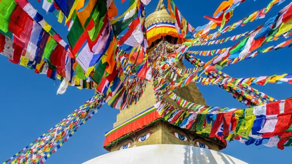 Tra Himalaya e impegno sociale, i viaggiatori raccontano il Nepal