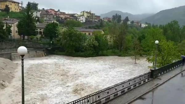 La piena del Bidente a Santa Sofia: il rumore è assordante