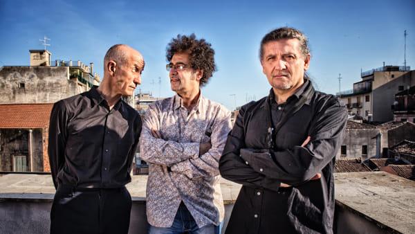 Il trio Girotto, Servillo, Mangalavite inaugura la stagione musicale del Mentore