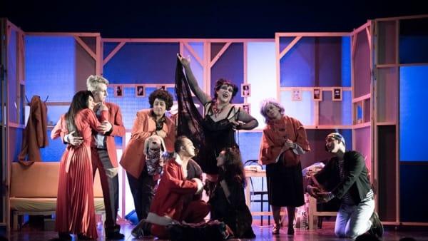 """Il Teatro delle Forchette sul palcoscenico con """"Buon Natale, agenzia Salvagente"""""""