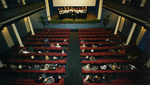 Al Teatro Apollo storia cantata della Grande Guerra con Emilio Franzina e gli Hotel Rif
