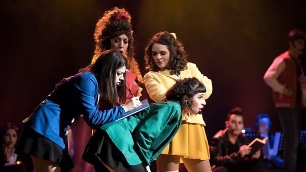 """Conflitti, bullismo e musica: a teatro il musical """"Heathers"""""""