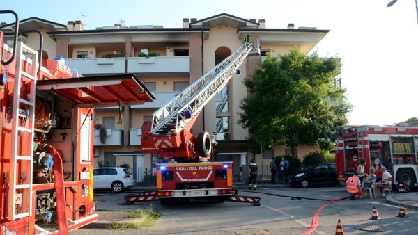 incendio via armellini 4