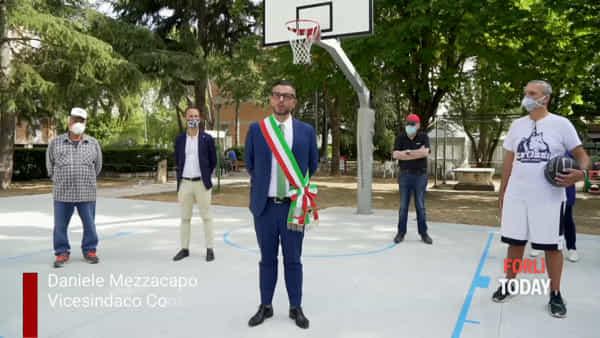 Ristrutturato il campo da basket esterno al polisportivo 'Monti'