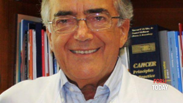 Il prof. Dino Amadori presenta la sua autobiografia per la prima volta