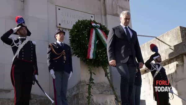 Le divise sfilano in centro: Forlì celebra la Festa delle Forze Armate