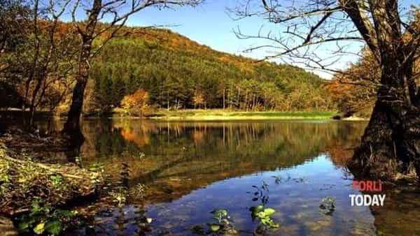 Equinozio d'autunno in sinergia con la natura, fra camminate e yoga