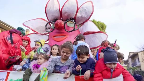 Un'esplosione di costumi, maschere e coriandoli per il Carnevale all'Aeroporto