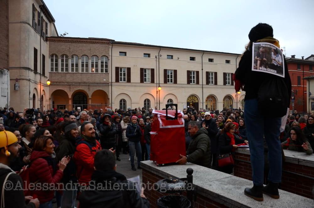 Piazza Della Misura Forli.Manifestazione Di Un Secco No In Piazzetta Della Misura
