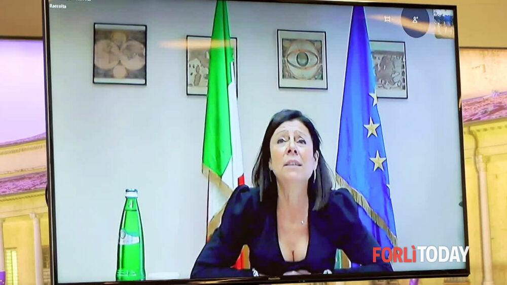 """Aeroporto, il sindaco: """"Fare di Forlì la Cardiff del Mediterraneo"""". Bonaccini promette 12 milioni"""
