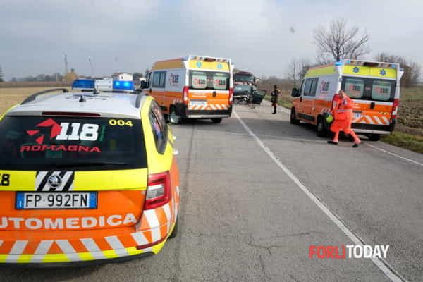 incidente-generica-ambulanze-medicalizzata-2