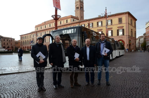 nuovi-autobus-forli-start-romagna-piazza-saffi-2017-2018-presentazione-2