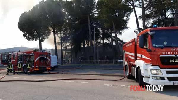 vigili-fuoco-incendio-alpe-2-aprile-2020-3