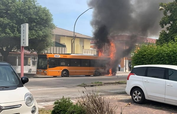 autobus-fuoco-25-5-2019-2