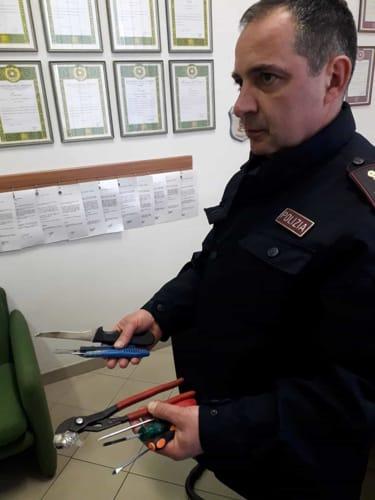 sequestro-attrezzi-scasso-polizia-12-3-2019-3
