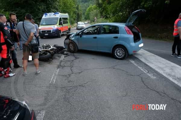 incidente-auto-moto-16-6-2018-2