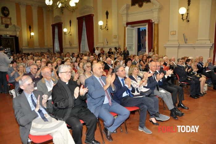 Lion d'Oro, cerimonia in Municipio per monsignor Erio Castellucci