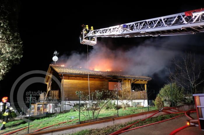 Incendio a Rocca delle Caminate