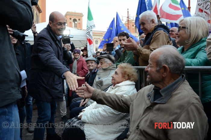 Elezioni, Nicola Zingaretti a Forlì: le foto del comizio